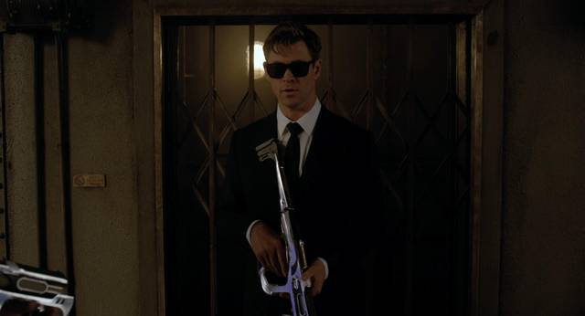 Men in Black International Chris Hemsworth foto dal film 1