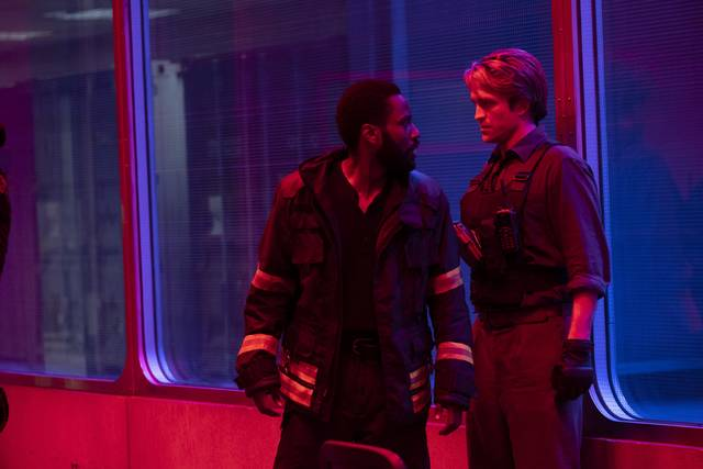 Tenet_John David Washington Robert Thomas Pattinson_foto dal film 2