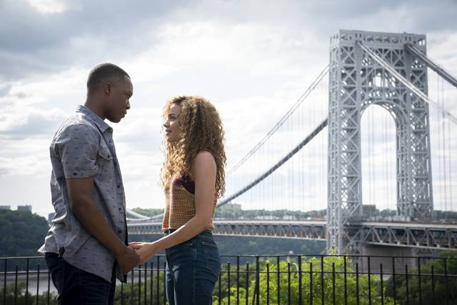 In the Heights - Sognando a New York_Corey Hawkins Leslie Grace_foto dal film 1