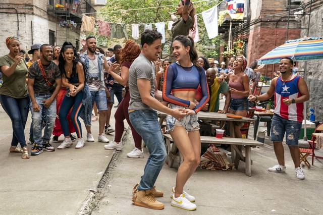 In the Heights - Sognando a New York_Melissa Barrera Anthony Ramos_foto dal film 2