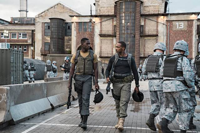 Outside the Wire Anthony Mackie Damson Idris foto dal film 2