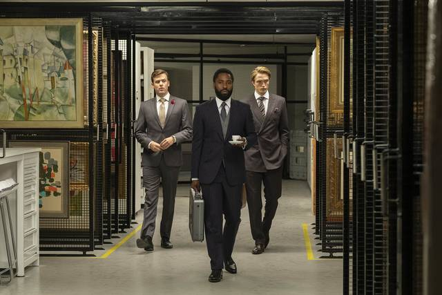 Tenet_John David Washington Robert Thomas Pattinson_foto dal film 13