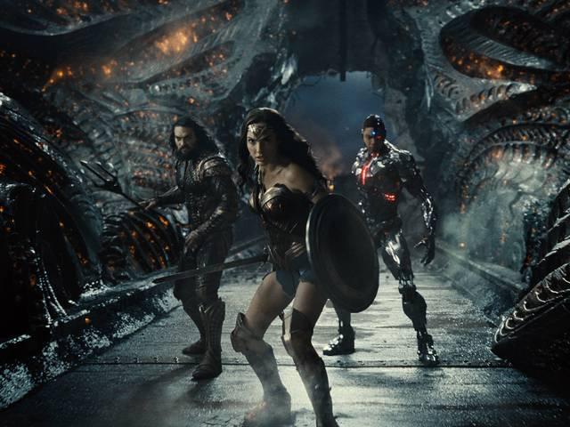 Zack Snyder's Justice League_Jason Momoa Gal Gadot Ray Fisher_foto dal film 37