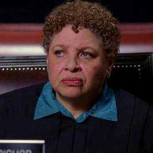 Giudice Leslie Bishop