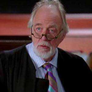 Giudice Robert Thompson