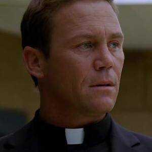Padre Arron Roe