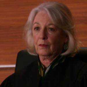 Giudice Suzanne Morris
