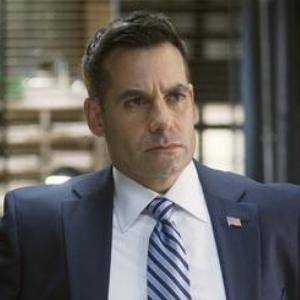 Agente Mark Fallon