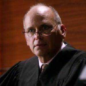 Giudice Peter Dunaway