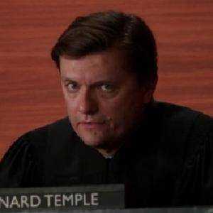 Giudice Bernard Temple