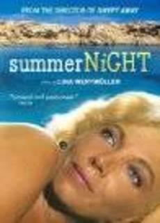 Notte d'estate con profilo greco, occhi a mandorla e odore di basilico
