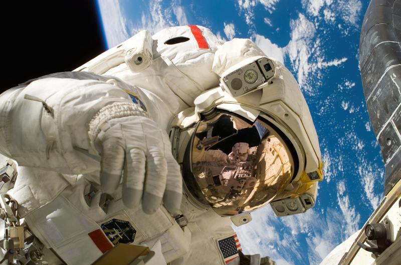 Elever pratade med astronaut i rymden