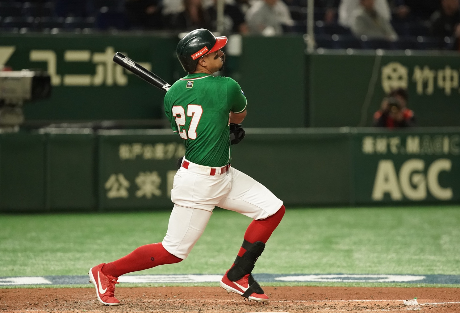 Jonathan Jones homered to give Mexico the lead