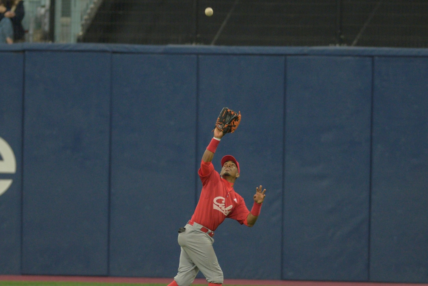 Roel Santos in the outfield