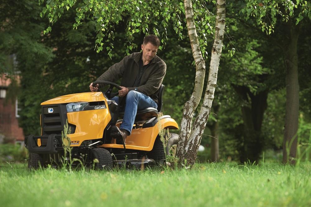 Cub Cadet XT2 PR 106IE Traktor