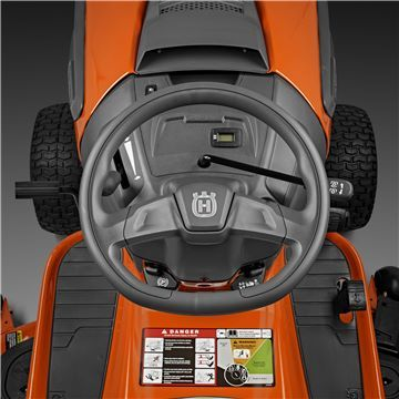 Husqvarna TC 138L Traktor *