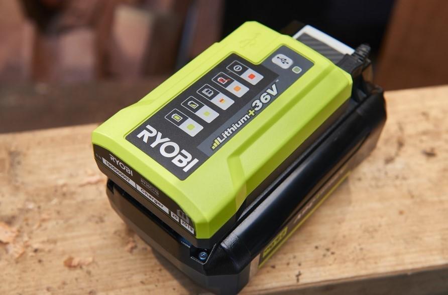 Ryobi RY36C17A Batteriladdare *