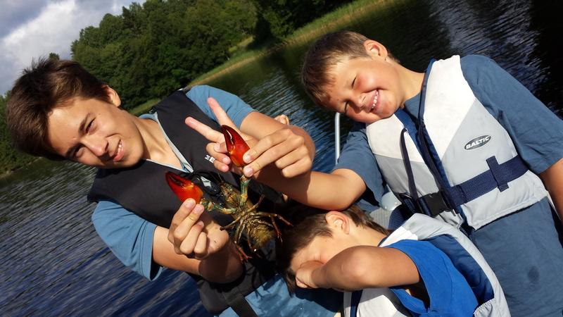 bild 2 av Crayfishing for family