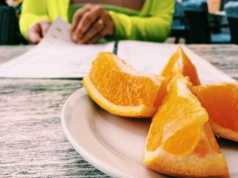 Detaljbild. Apelsinklyftor.