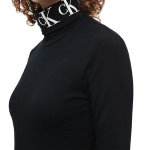Long Sleeve Logo Collar T-shirt