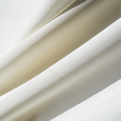 Bild 1 av  Silk crepe, off white- used in Saturday, Perfect day and Elise