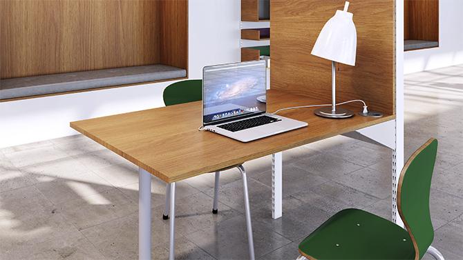 Table / Wood