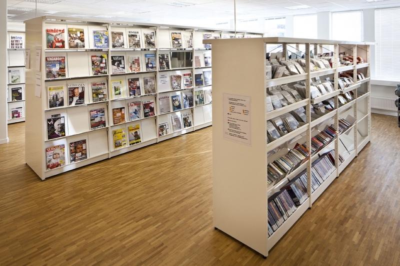 https://s3-eu-west-1.amazonaws.com/static.wm3.se/sites/504/media/185506_small_Bor__s_stadsbibliotek-09.jpg?1516824155