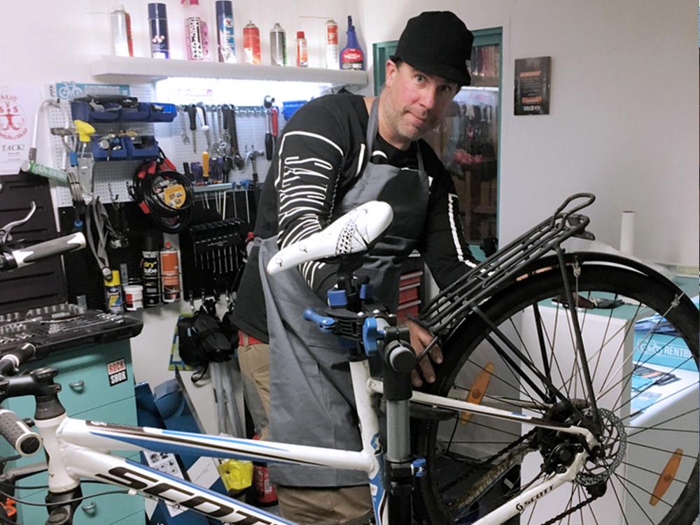 Reperation av cykel