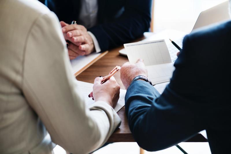 Vid MBL-förhandlingen kan vi finnas med som ett stöd eller så sköter vi förhandlingen i ert ställe.