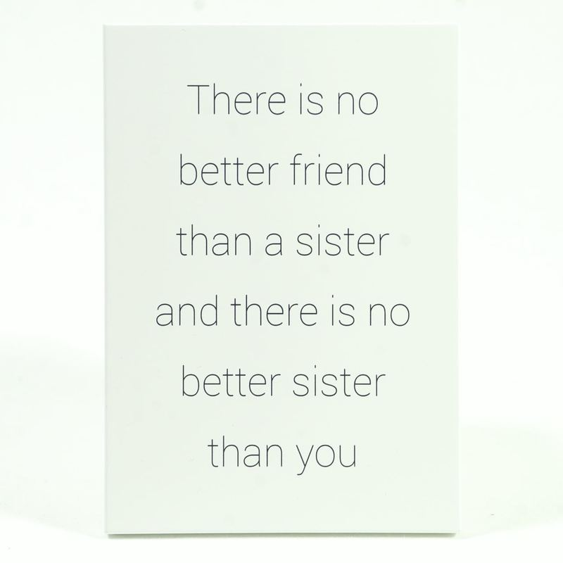 Mellow design trätavla Sisters are best friends......