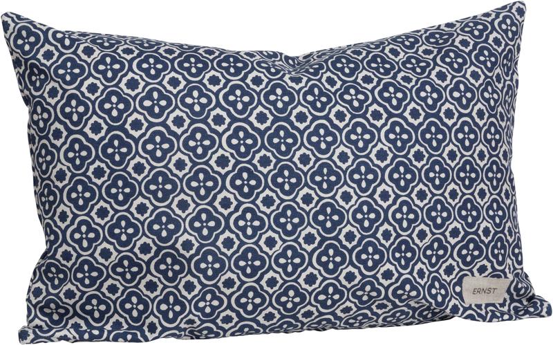 Ernst kudde blå m vita detaljer