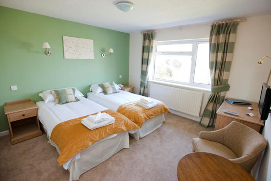 £99 for a 2nt mid-week break or £119 for weekends for 2 at the Fairwater Head Hotel, Devon inc. breakfast – save up to 62%