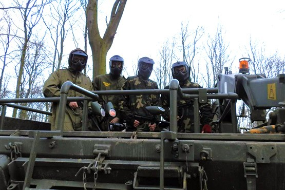£19 for a tank paintball experience for two or £36 for four including 100 paintballs each at Ultimate Tracks, Doncaster - save up to 68%