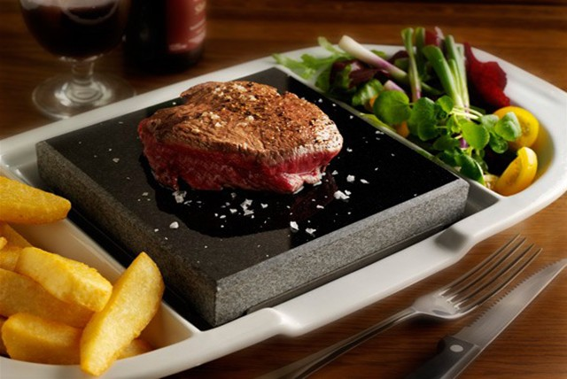 £19 instead of £43.80 for a Steak dinner for 2 inc. your choice of steak, chips, salad & glass of house wine each at Steakhouse, Watford – save 57%