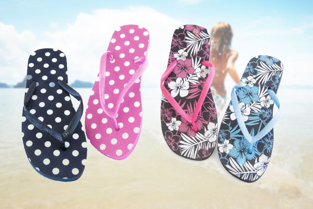 £6.99 instead of £30 (from Urshu) for 3 pairs of trendy flip flops - sort your summer wardrobe and save 77%