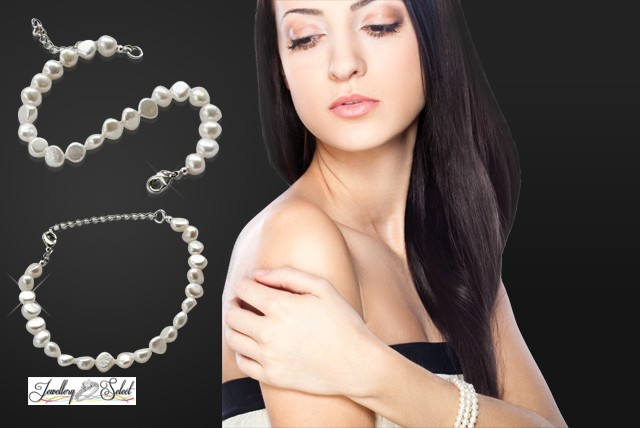 £5 instead of £39.95 (from Jewellery Select) for a freshwater pearl bracelet – get some gorgeous new arm candy and save 87%