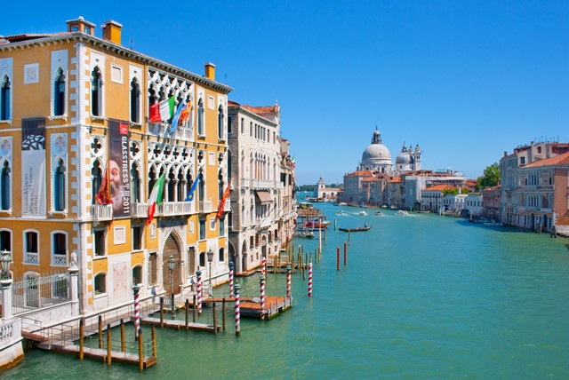 £209pp for a 2 night stay for 2 at the 4* Hotel Antony Palace in Venice inc. flights, or £249pp for 3 nights from Independent World Choice Holidays