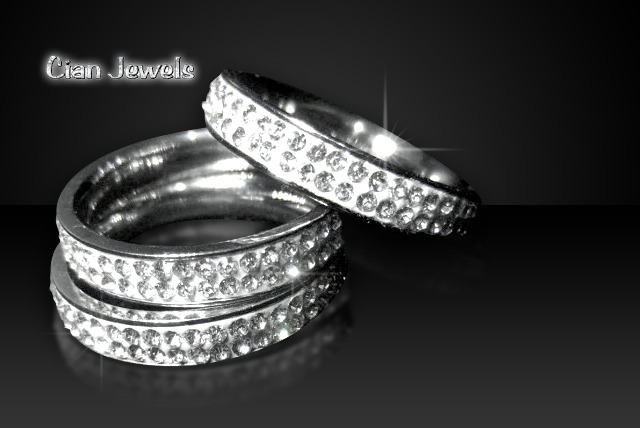 £5.99 instead of £30 (from Cian Jewels) for a Swarovski Elements crystal ring and gift bag - treat yourself and save a sparkly 80%