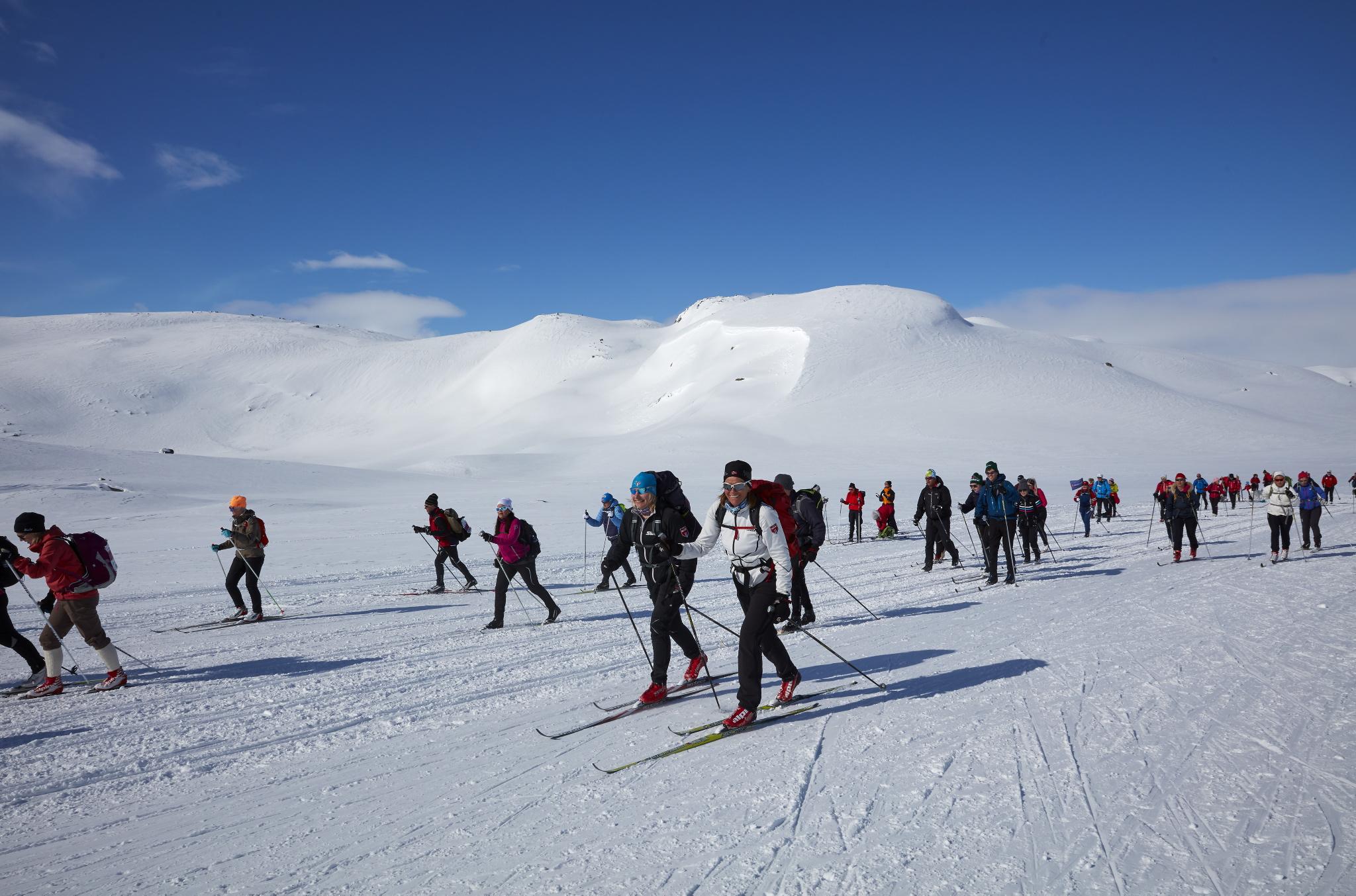 Vil du vinne 2 friplasser til Skarverennet med dobbeltrom på Vestlia resort, ski/sko i fra Madshus og skidress/staver i fra Swix?