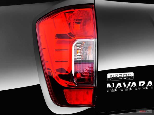 nissan np300 navara king cab tekna 2 3 dci 160 4 portes 4 en vente reims 51 35 960. Black Bedroom Furniture Sets. Home Design Ideas