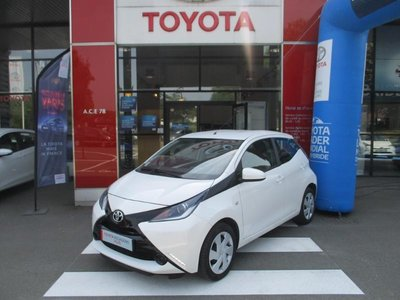 occasion toyota aygo magny les hameaux 78 16320 km en vente 9 990 annonce n 001245. Black Bedroom Furniture Sets. Home Design Ideas
