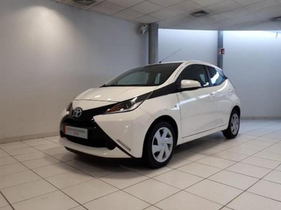 toyota aygo occasion 1 0 vvt i 69ch stop start x play 3p sedan hes4 43768. Black Bedroom Furniture Sets. Home Design Ideas