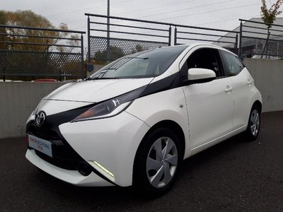 toyota aygo occasion 1 0 vvt i 69ch x play 5p charleville he27 34307. Black Bedroom Furniture Sets. Home Design Ideas