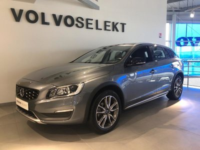 volvo v60 cross country occasion d4 190ch summum geartronic nancy hes9 vk10032. Black Bedroom Furniture Sets. Home Design Ideas