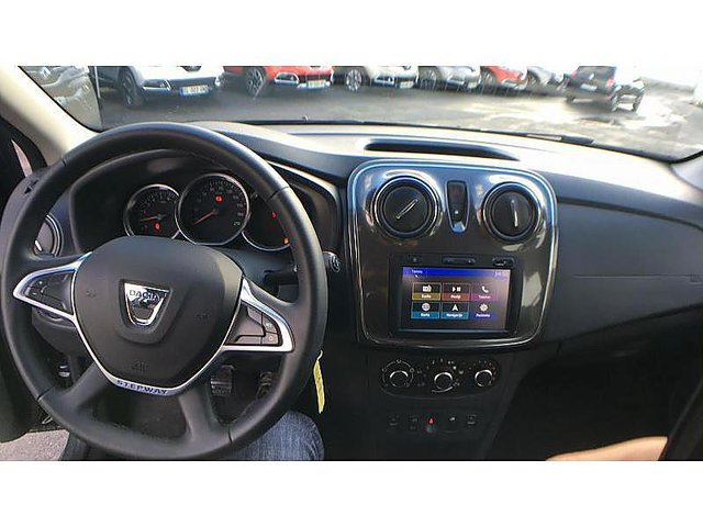 dacia sandero 0 9 tce 90ch stepway occasion epernay 12 290. Black Bedroom Furniture Sets. Home Design Ideas
