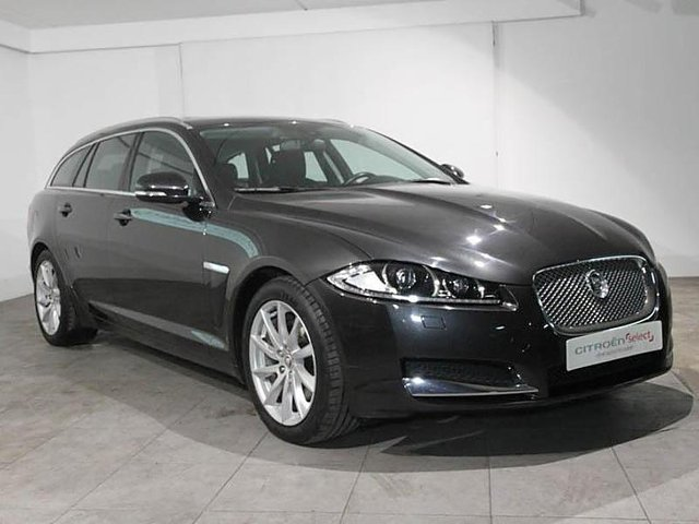 jaguar xf sportbrake 2 2 d 200ch luxe occasion niort 23 990. Black Bedroom Furniture Sets. Home Design Ideas