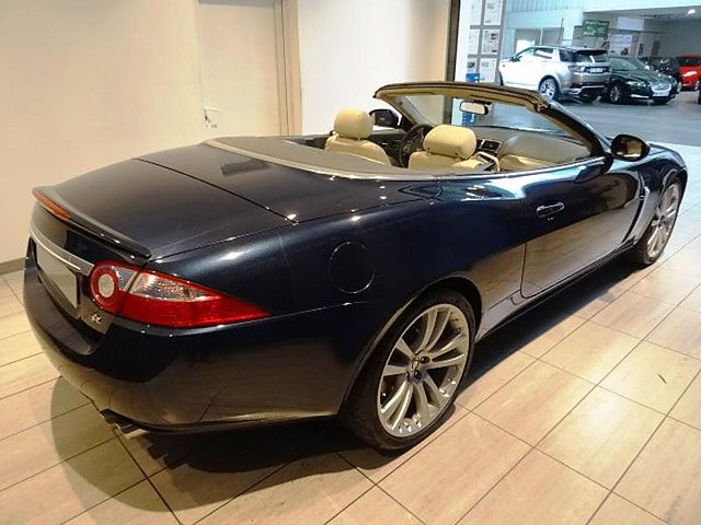 jaguar xk8 cabriolet 4 2 v8 r occasion paris 44 900. Black Bedroom Furniture Sets. Home Design Ideas