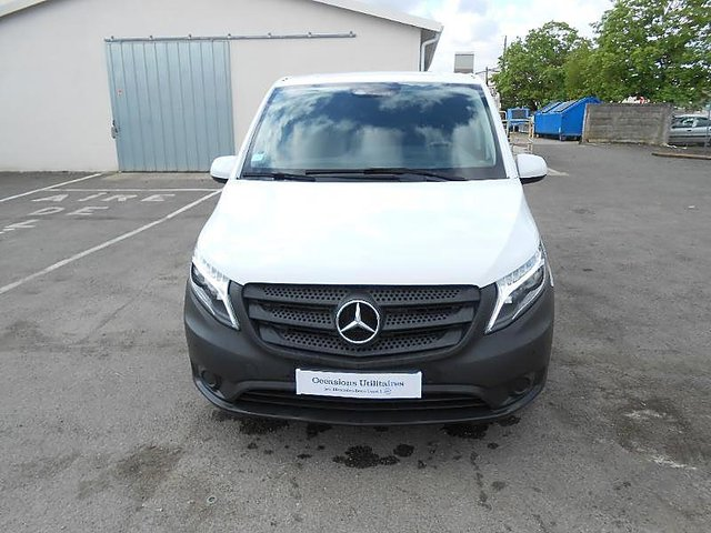 mercedes vito 116 cdi compact select occasion poitiers 26 880. Black Bedroom Furniture Sets. Home Design Ideas