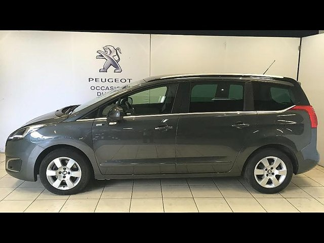 peugeot 5008 1 6 bluehdi 120ch style ii s s occasion tours 16 499. Black Bedroom Furniture Sets. Home Design Ideas