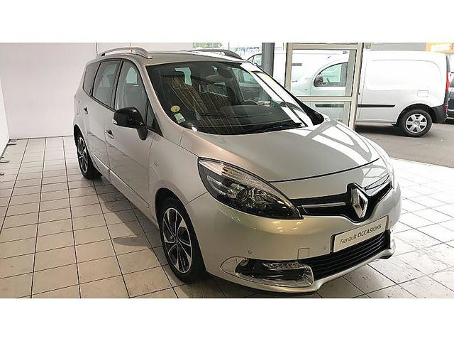 renault grand scenic 1 6 dci 130ch energy bose euro6 7 places 2015 occasion arras 17 490. Black Bedroom Furniture Sets. Home Design Ideas